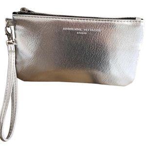 Adrienne vittadini travel charging wallet rfid